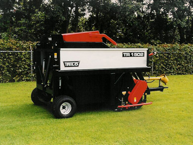 Trilo 1502 scarifier collector
