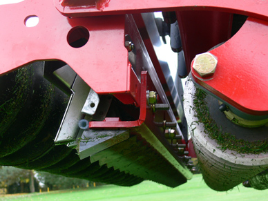 RotaDairon RGD140 Over seeder